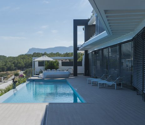 Alicante Architectural Studio: construction of a pool in chalets or single-family homes with an own plot.
