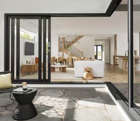 Les tendances architecturales sur la Costa Blanca : extérieur minimaliste et intérieur confortable