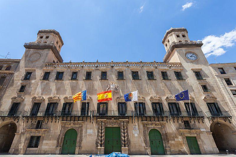 Arquifach, estudio de arquitectura Alicante, analiza el Ayuntamiento de Alicante y su arquitectura.